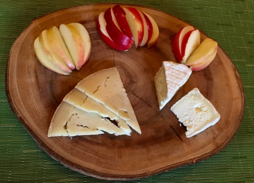 Blackberry Farms Singing Brook and Little Ewe Cheese with SweeTango Apple Slices